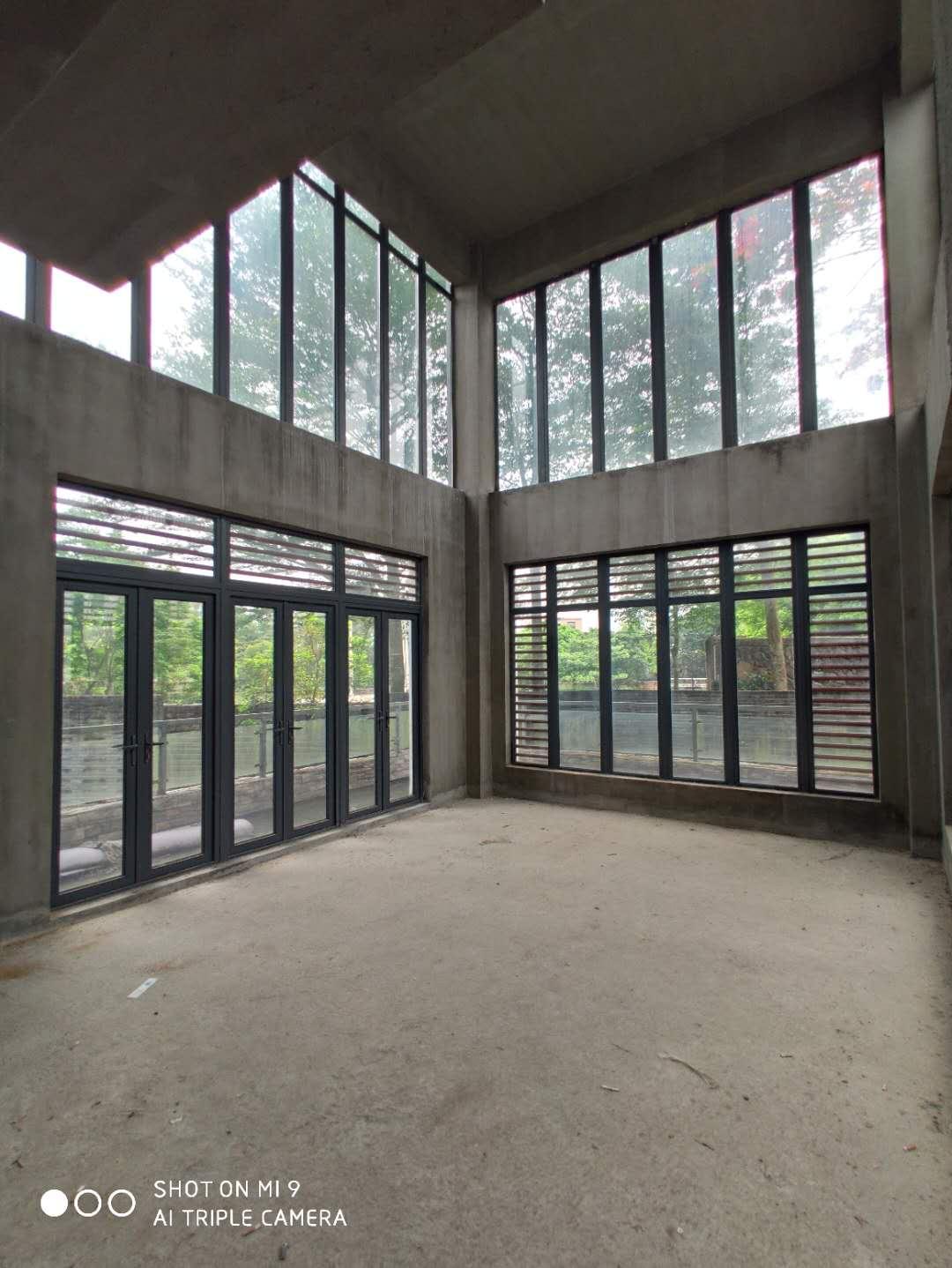鸿洲江山别墅  560万产证满五年可按揭